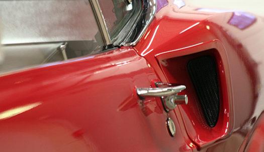 Metallpuru rikub auto välimust.
